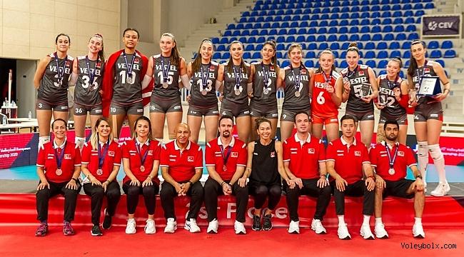 U17 Kız Milli Takımımız'dan Avrupa Şampiyonası'nda Gümüş Madalya