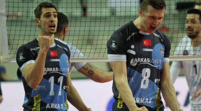 Arkas Spor erteleme maçında Bursa Büyükşehir Büyükşehir'in konuğu oluyor