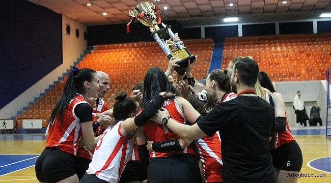 Arnavutluk'ta şampiyon, 3-0'lık seri sonunda Partizani!...