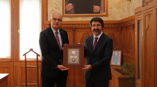 Üstündağ, Ziraat Bankası Genel Müdürü Alpaslan Çakar'ı Ziyaret Etti