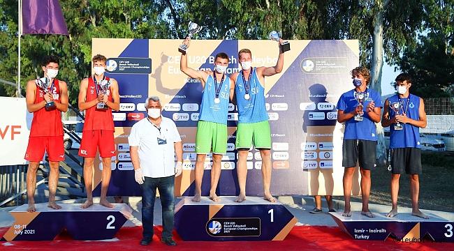 2021 CEV U20 Plaj Voleybolu Avrupa Şampiyonası'nda Kupa ve Madalyalar Sahiplerini Buldu