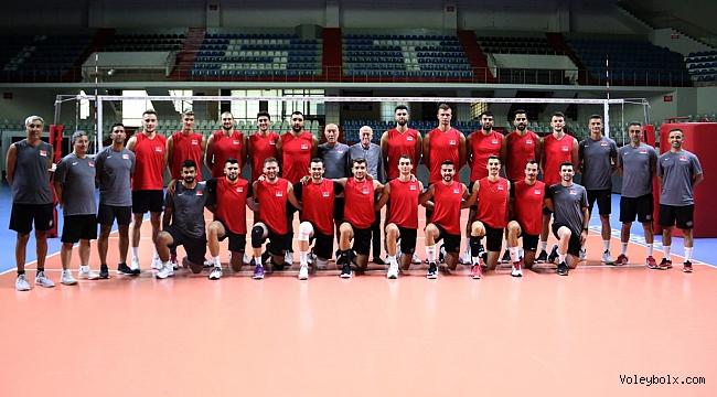 Efeler, Avrupa Şampiyonası İçin İstanbul'da Kampa Girdi
