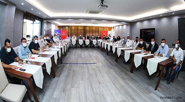 Efeler Ligi 2020-2021 Voleybol Sezonu Değerlendirme Toplantısı Yapıldı