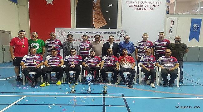 Oturarak Voleybolda Süper Ligi Şampiyonu Karaman İl Özel İdaresi