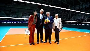 AP Türkiye Dostluk Grubu Başkanı Czarnecki, TVF Başkanı Üstündağ'ı Makamında Ziyaret Etti