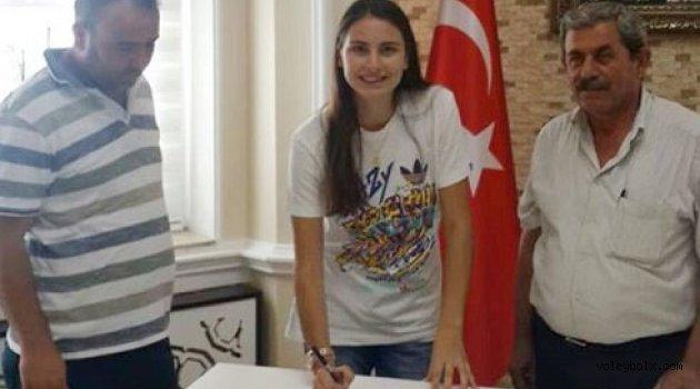 Alaşehir Belediyespor Tuğçe Samanlı ile devam ediyor