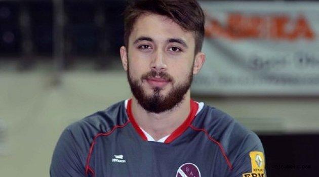 Bornova Anadolu Lisesi İsmail Dindar ile anlaştı