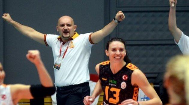 Galatasaray Deplasmanda 4 Sette Kazandı