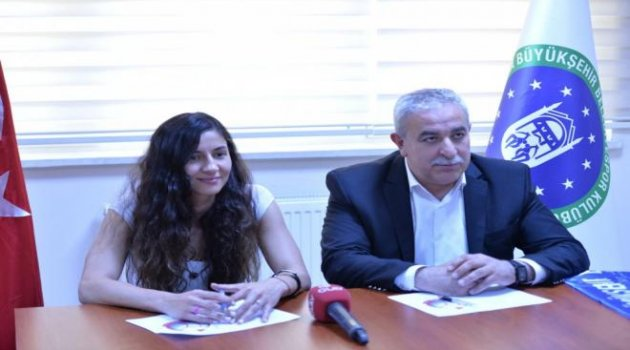 Nilay Özdemir, Bursa Büyükşehire imzayı attı!