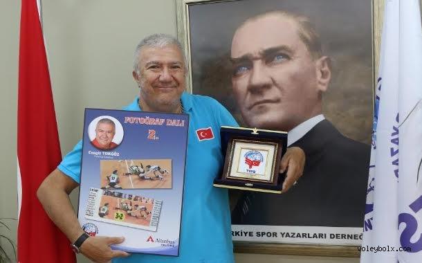 TSYD'den Cengiz Tokgöz'e ödül