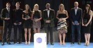 Avrupa Voleybol Galası'nda yıldızlar ödüllerini aldı
