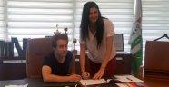 Bursaspor, Burcu Genç'i transfer etti...