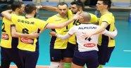 Fenerbahçe Liderliği Bırakmadı