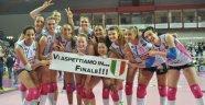 İtalya'da ilk finalist Igor Gorgonzola Novara!.. (FOTO)