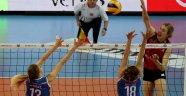 VakıfBank Kupa Voley'de yarı finale yükseldi