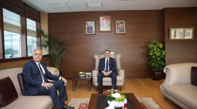 TVF Başkanı Üstündağ, Gençlik ve Spor Bakanı Bak'ı Ziyaret Etti
