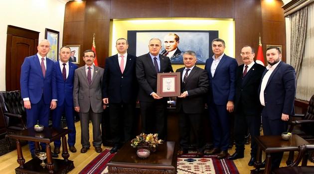 TVF'den Balıkesir Valisi ve Belediye Başkanı'na Ziyaret