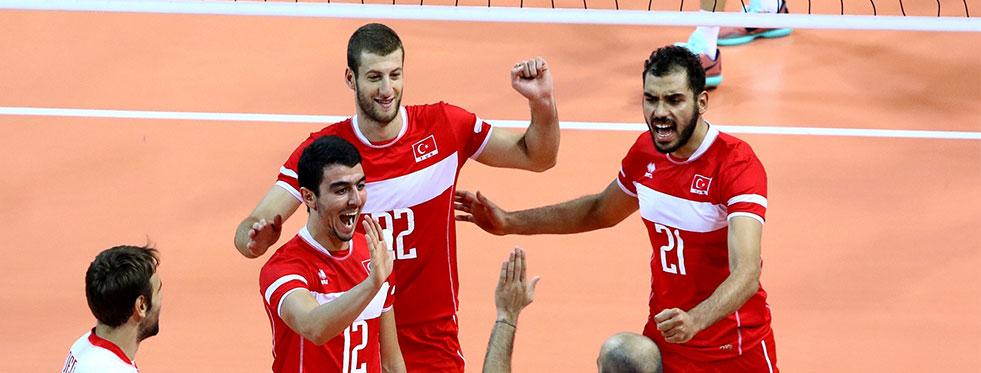 CEV Avrupa Ligi'nde Hırvatistan'ı 3-2 yendik