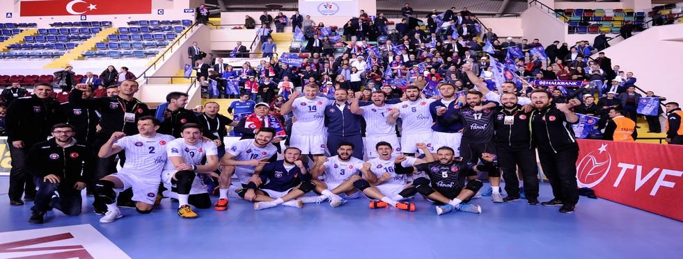 Halkbank Kupa Voley'de Finale Yükseldi