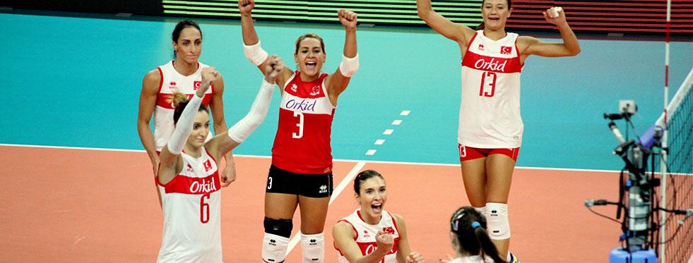Macaristan'ı 3-0 yendik namağlup devam ediyoruz